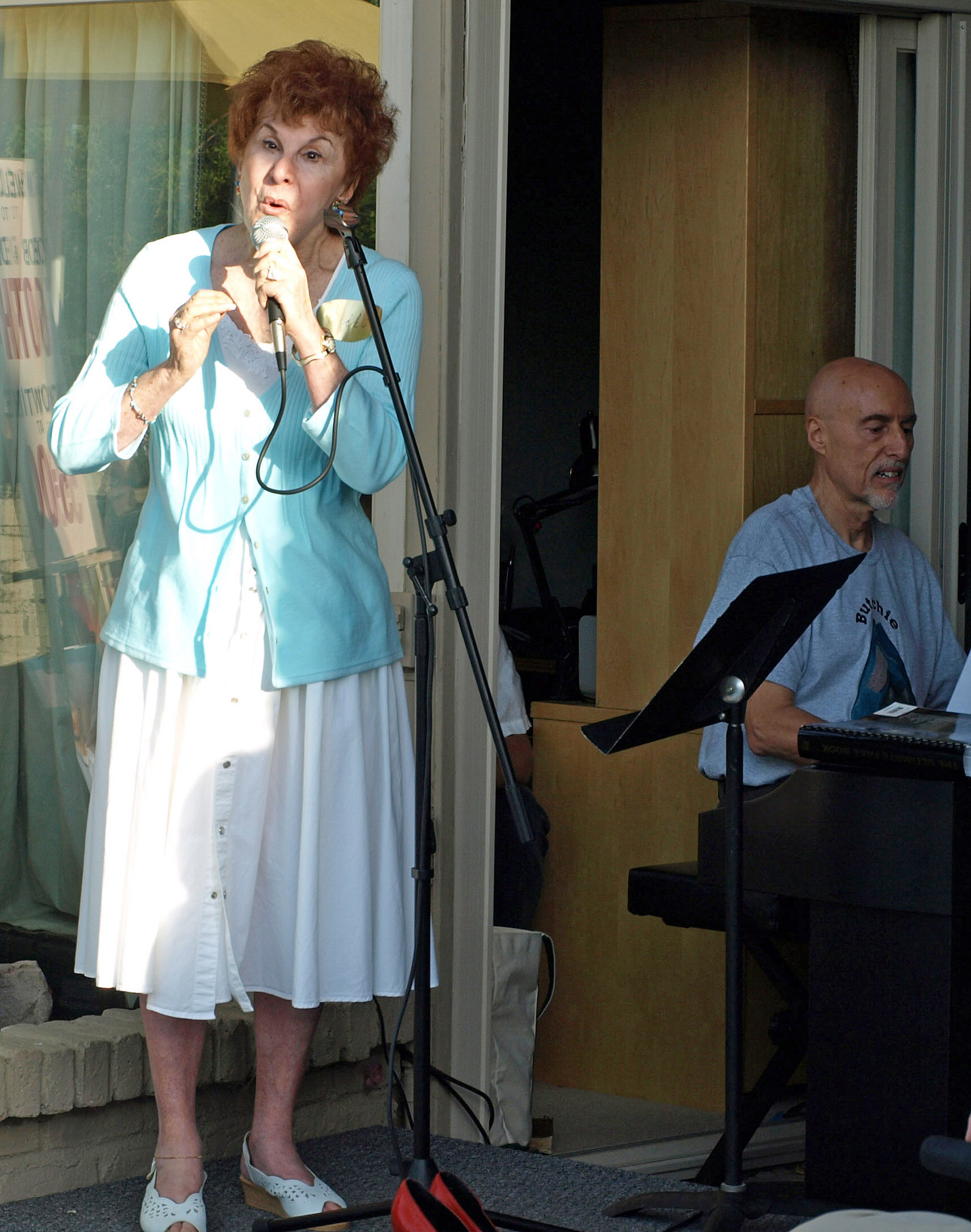 Vicki singing at the party, 2009